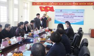 (PGS.TS. Hoàng Văn Hùng, Giám đốc Phân hiệu phát biểu tại cuộc gặp mặt)